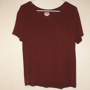 maroon short sleeve shirt